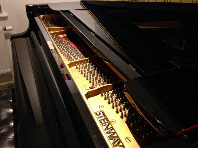 スタインウェイグランドピアノ天板