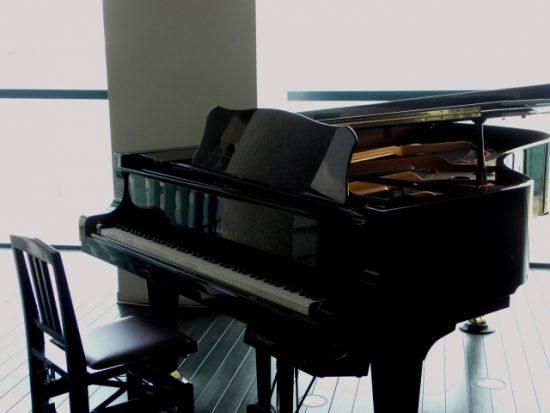 ピアノの屋根